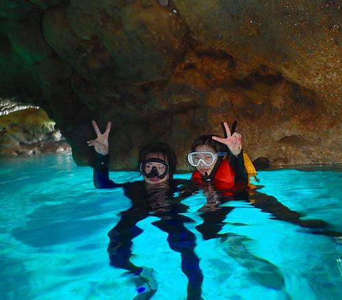 青の洞窟体験シュノーケリング